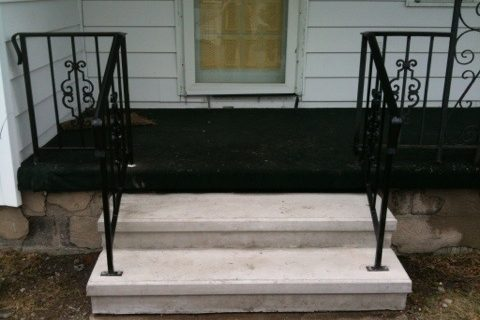 New front steps and railing!