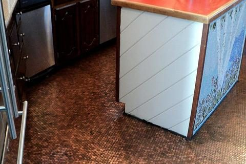 Copper Penny Floor (Part 1 of 4): DIY Mosaic #pennyfloor