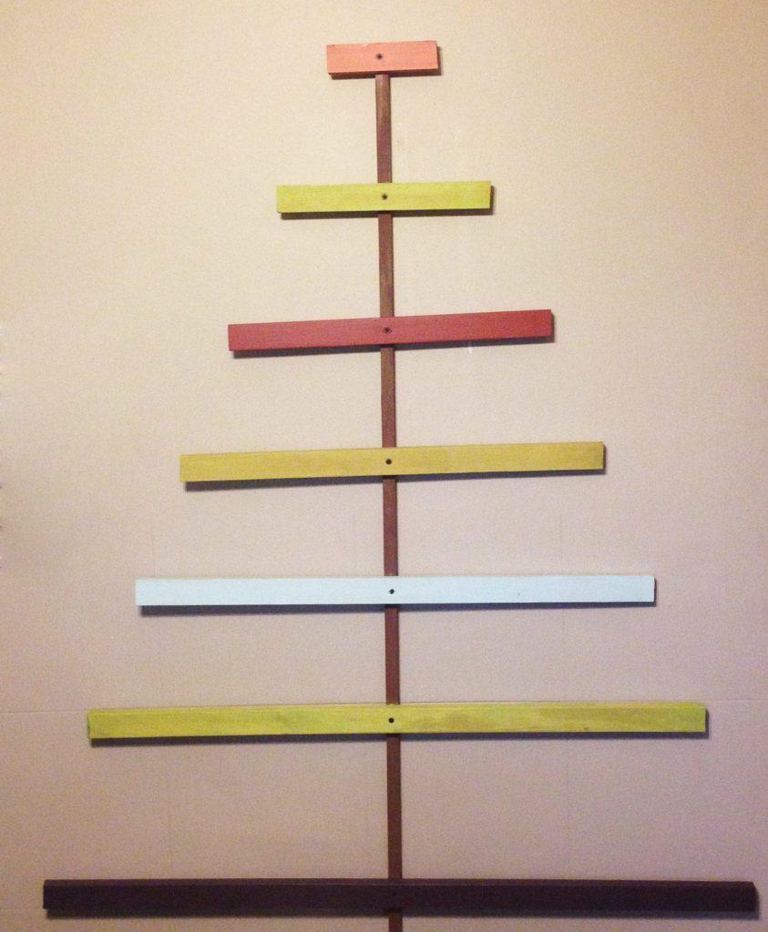 christmas-tree-card-holder-painted