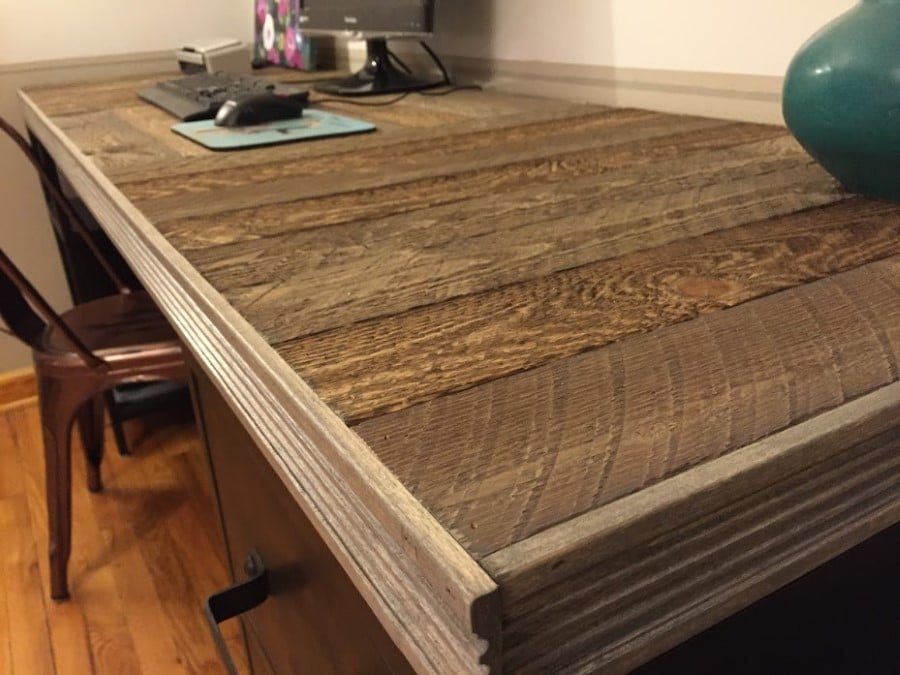 How To Build A Reclaimed Wood Pallet Desk Top Pretty