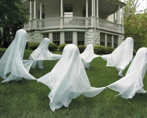 DIY Halloween floating ghost ring