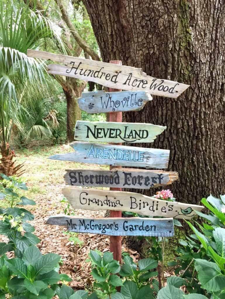 DIY pallet garden signs