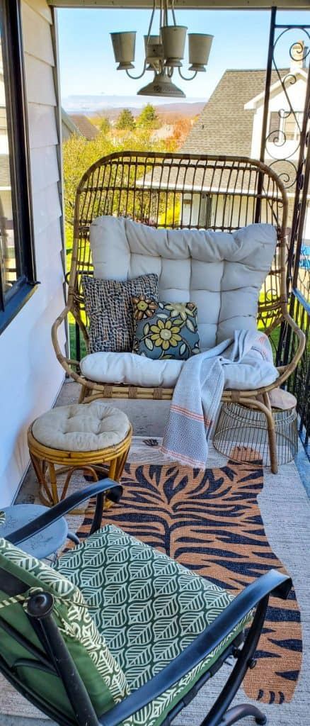 Front porch garden room with egg chair