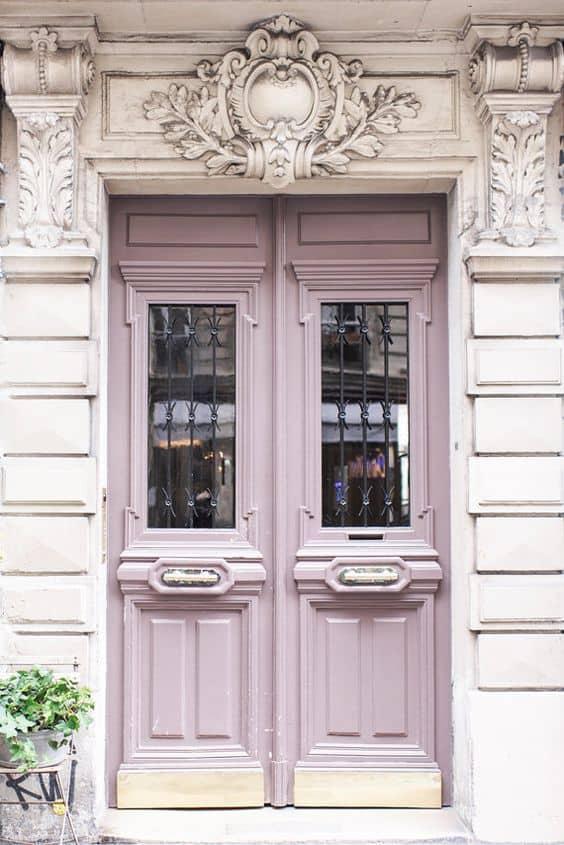 Pale lavender pink front door in Paris