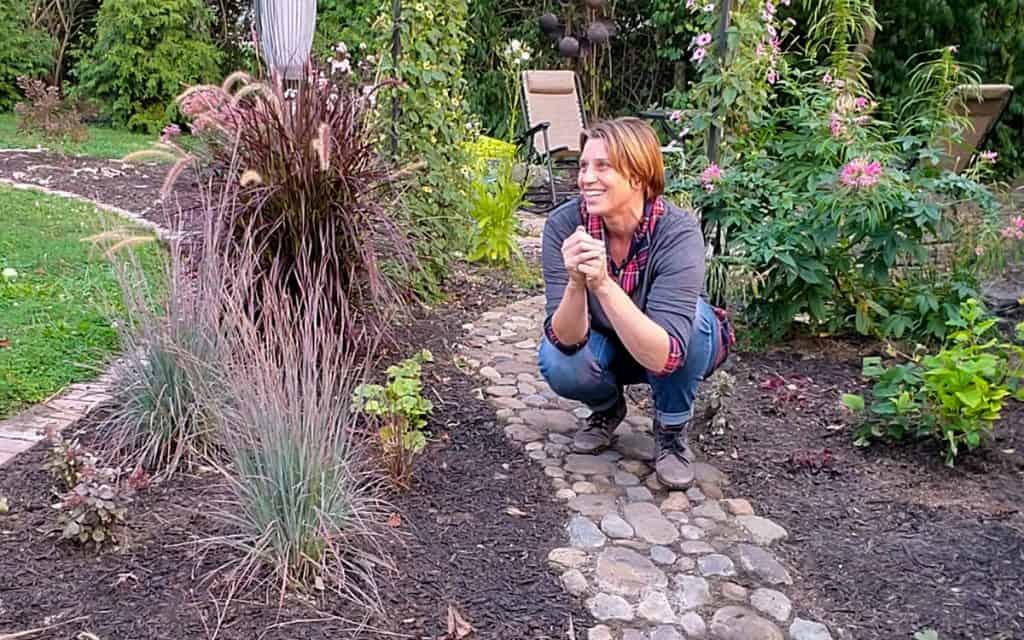 Narrow garden design tips